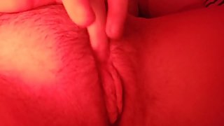 horny girl rub her clit