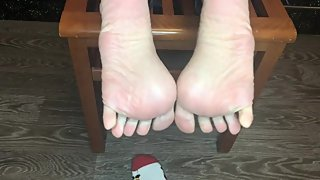 kelly_feet my dirty christmas socks after job and stinky foot pov