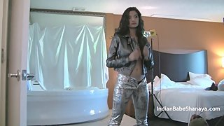 Rockstar British Indian Babe Shanaya In Striptease Show In Studio